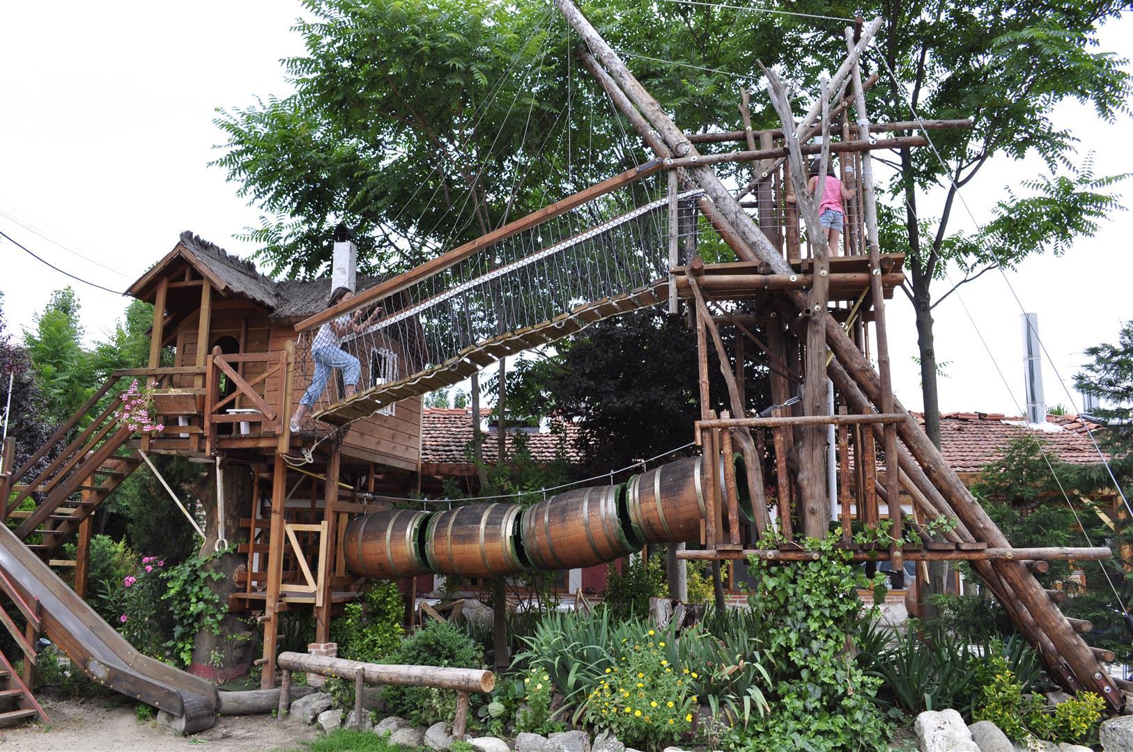 En puertas de la primavera casas rurales las cavas - Casitas en el arbol ...