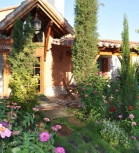 Ven a conocer nuestros jardines en el mes de las flores